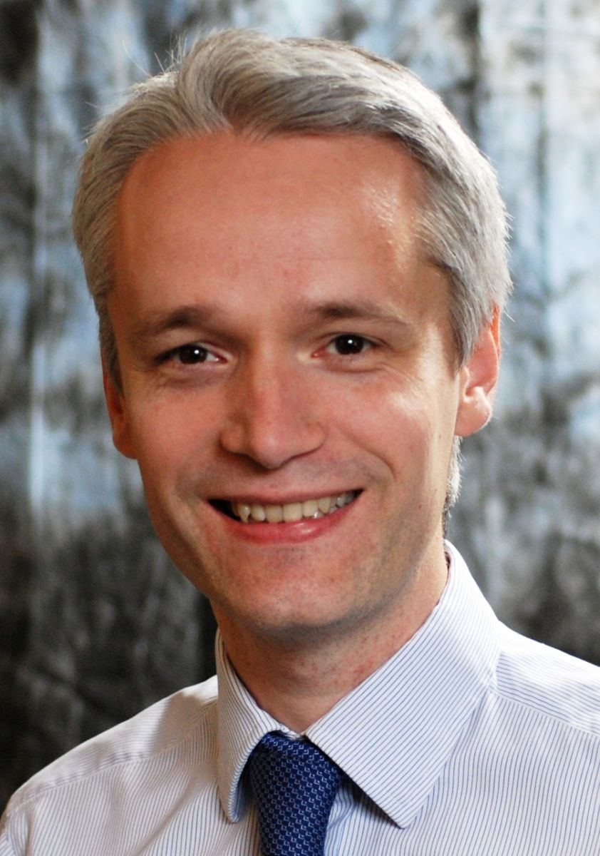 Dr Robin Jones is a medical oncologist, specialising in the treatment of bone and soft tissue sarcomas, based at the Royal Marsden Hospital in London. - Jones_Robin-1